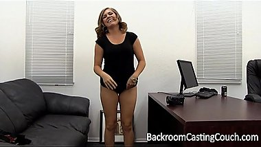 Tinder MILF Slut Assfuck Painal &amp_ Creampie on Backroom Casting Couch