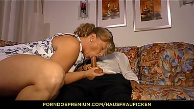 HAUSFRAU FICKEN - Blonde German lady in her 40s fucked in reverse cowgirl by guy with glasses