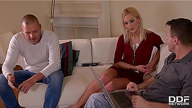 Cock Sucking Threesome feat Blonde XXX Stunner Cecilia Scott