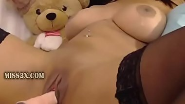 amateur mom use fast speed to get real deep orgasm