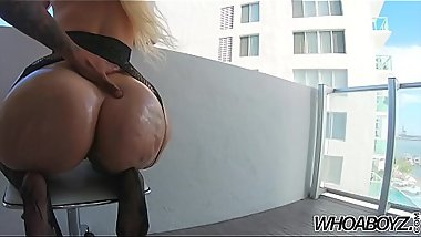 whoaboyz - Alexis Andrews big 48in Ass fucks a 12in bbc