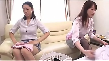 mom &amp_ daughter fight for son'_s cock - Dirtyjav.com