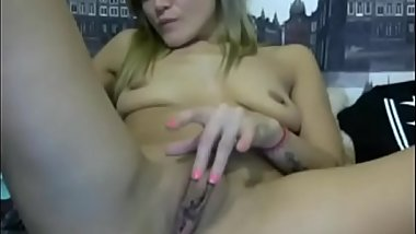 Hot girl touching her pussy  -&gt_ FREE REGISTER! www.mylovecam.tk