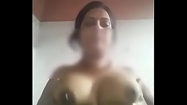Reshma aunty nude showing in bathroom