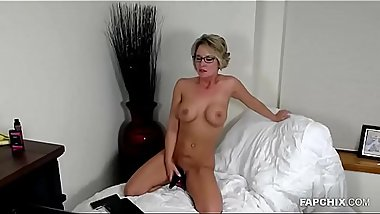 Amateur Action Of A Milf - FAPCHIX.COM