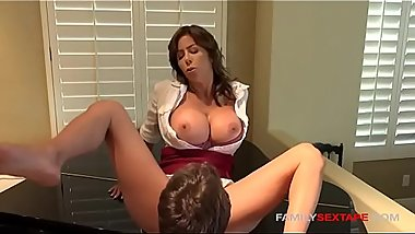 Mommy needs to cum asap- Step-Son eats her out